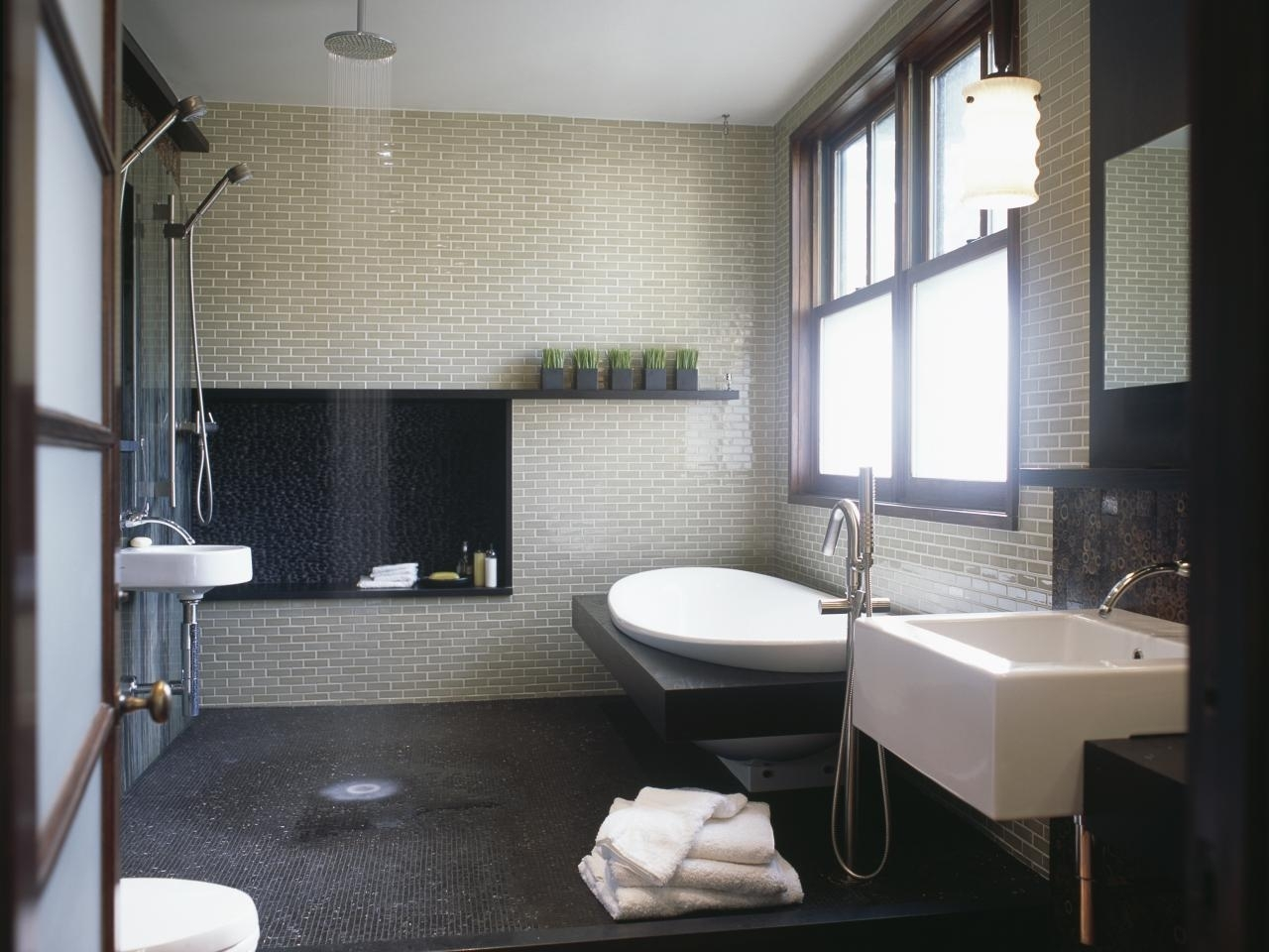 10 Awesome Bathroom Tubs And Showers Ideas %name 2020