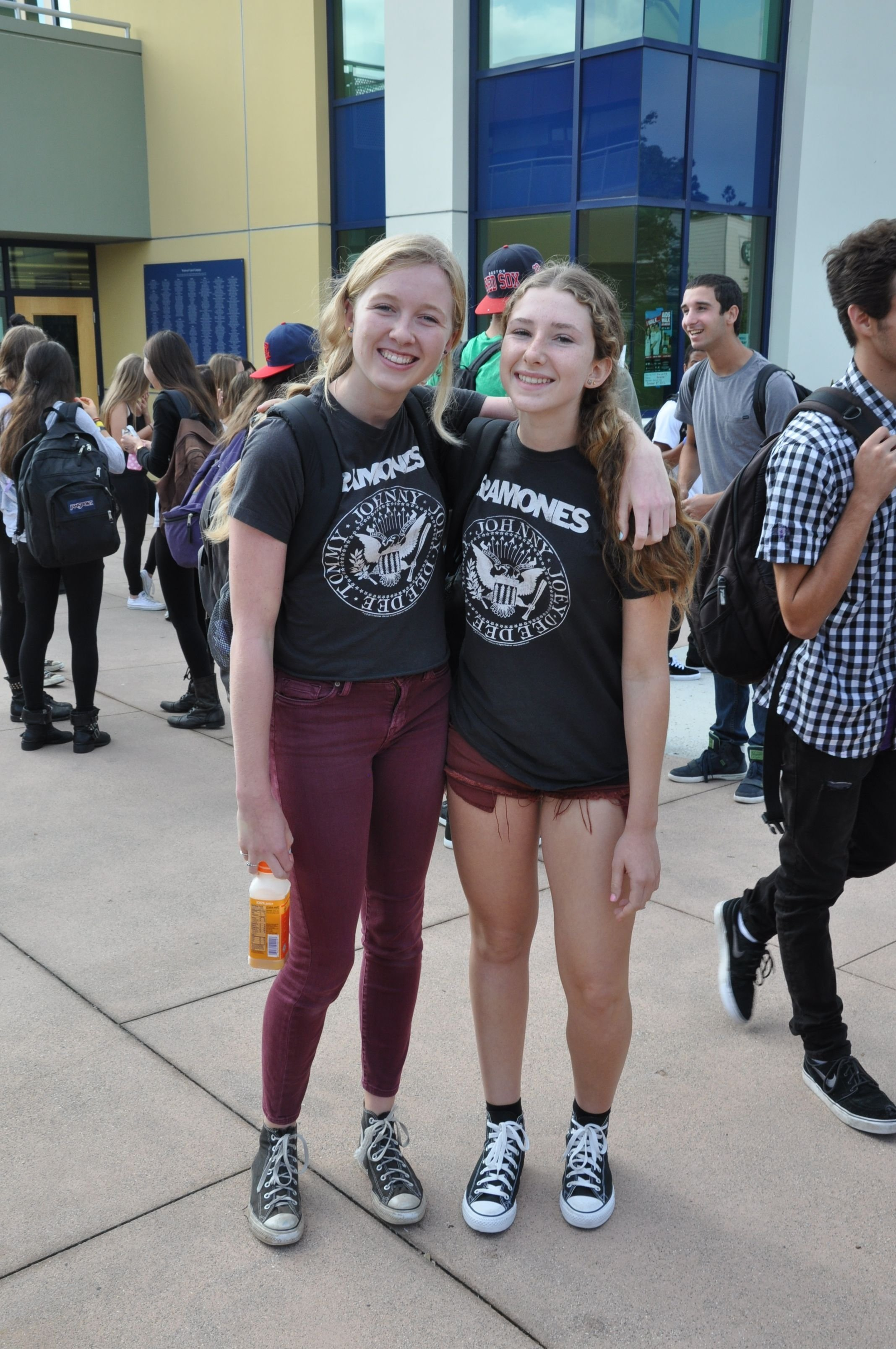 10 Wonderful Twin Day Ideas For Girls tuesday twin day homecoming 2012 pinterest twins 2021
