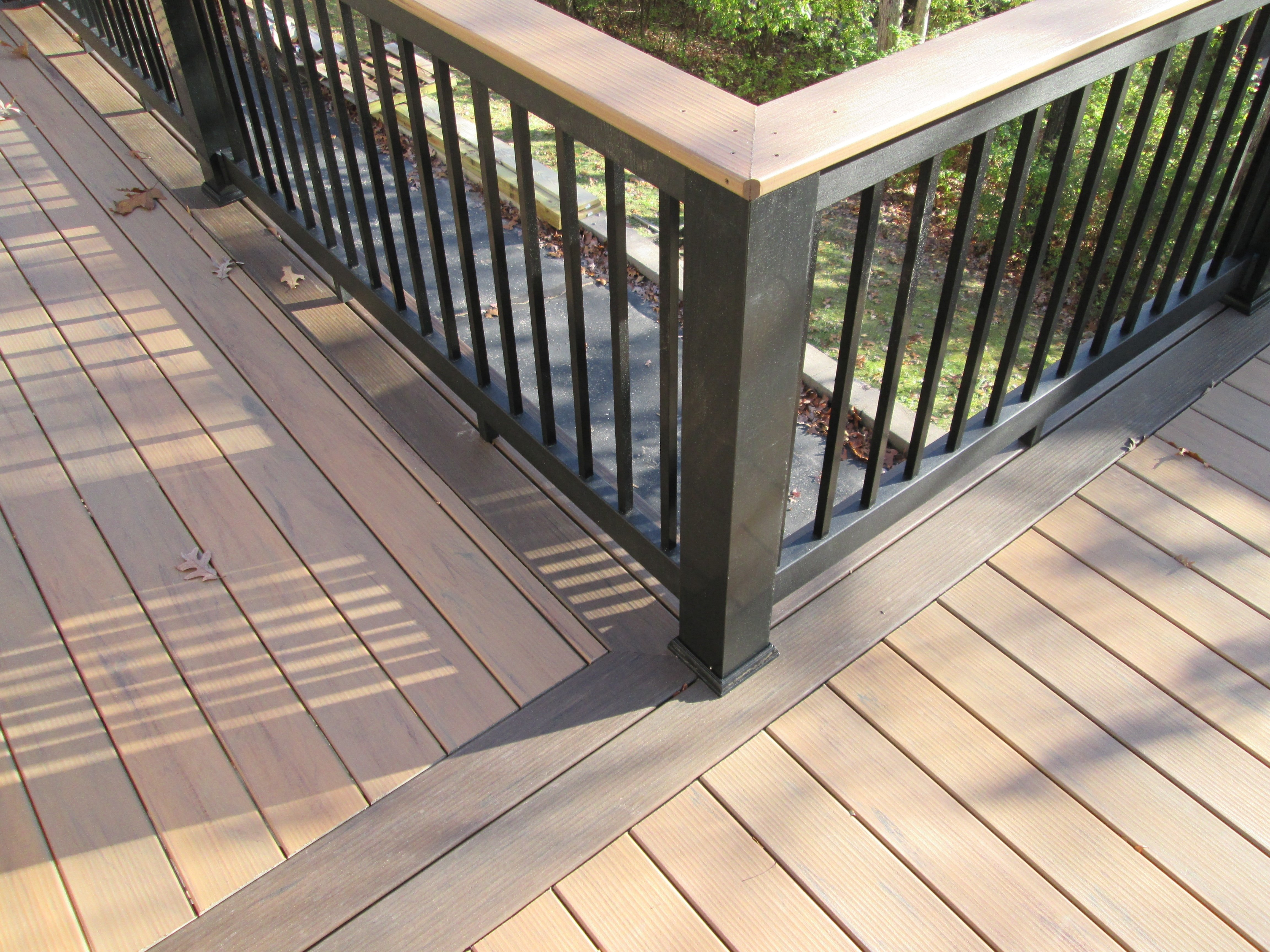 10 Spectacular Two Tone Deck Stain Ideas two tone deck floor two tone deck rail and metal balusters project 2021