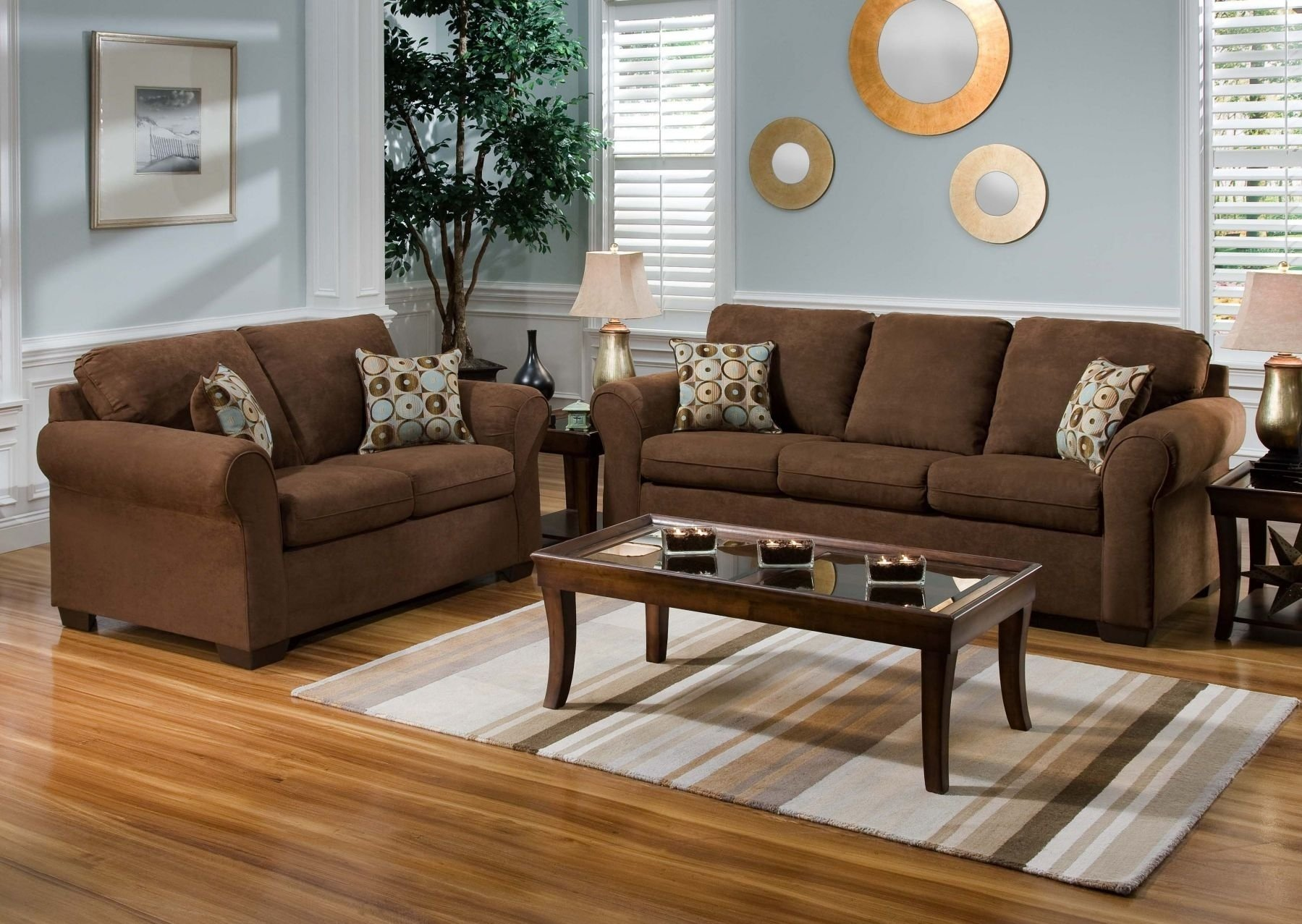 unbelievable living room paint ideas with brown couch and blue