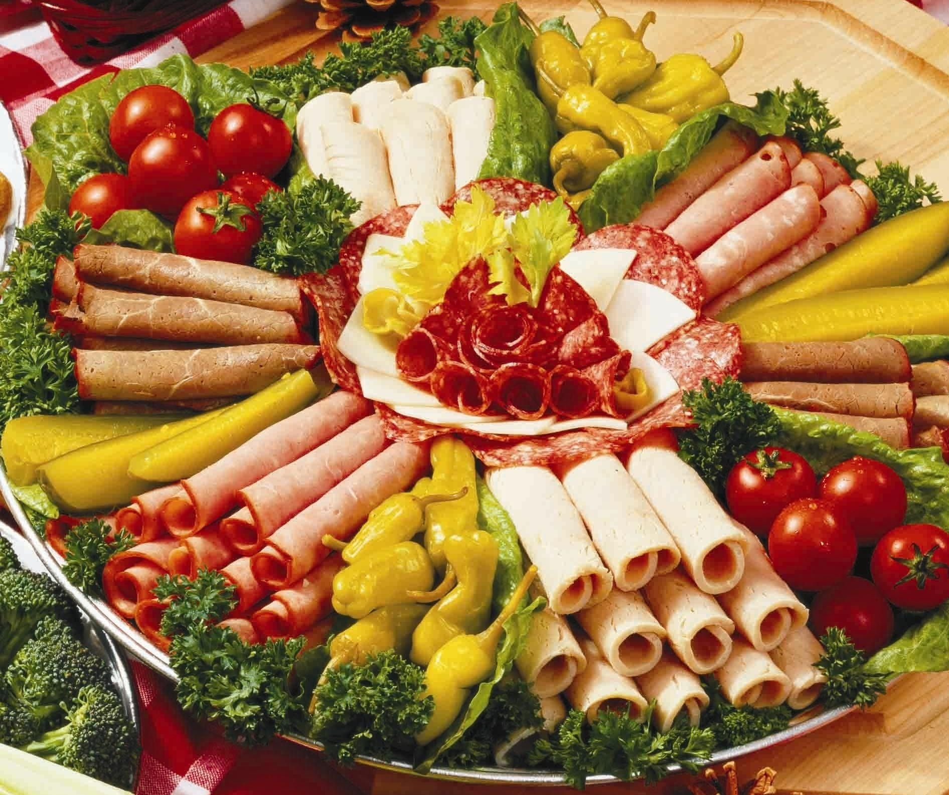 10 Gorgeous Cheese And Meat Platter Ideas unbelievably easy roast beef recipes beef ham cheese trays and 2020