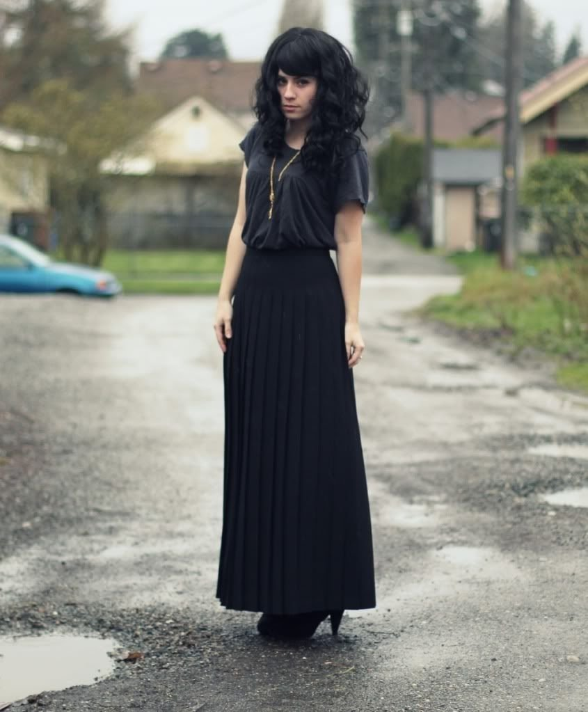 10 Awesome Long Black Skirt Outfit Ideas unif wiccan kimono jeffrey campbell litas uniqlo maxi skirt 2020