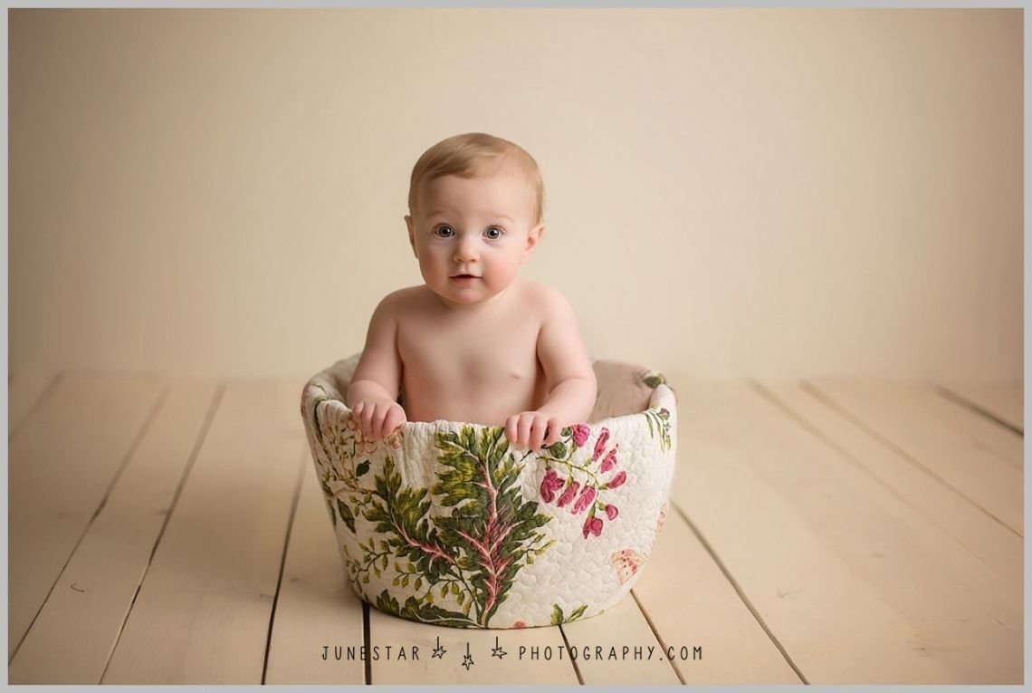 unique prop ideas | 9 month old ideas | crawling baby session