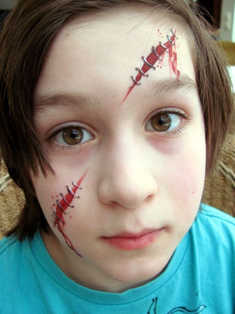 10 Attractive Halloween Face Painting Ideas For Kids use one for a pirate scar for kids pinterest face face 2020