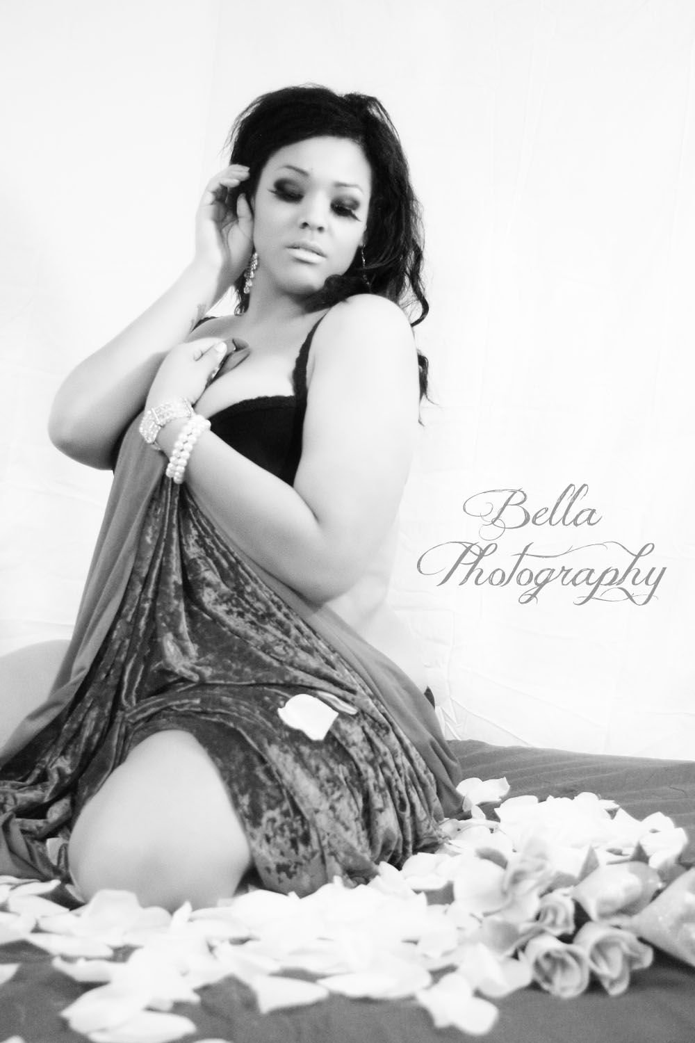 valentine's day, boudoir, sensual photography, full figured model