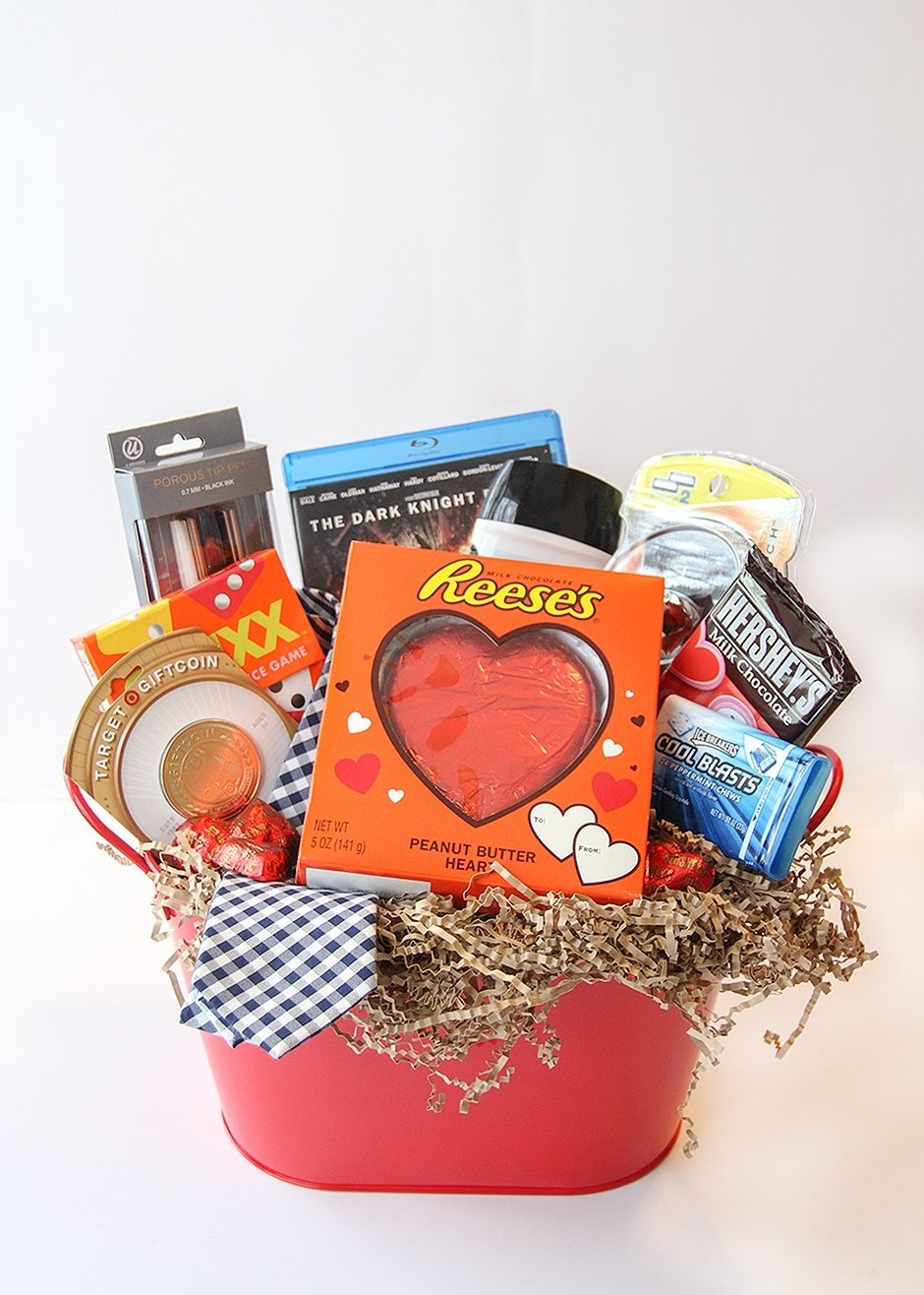 10 Elegant Valentines Day Gift Ideas For Him valentines day gift basket for him busy mommy