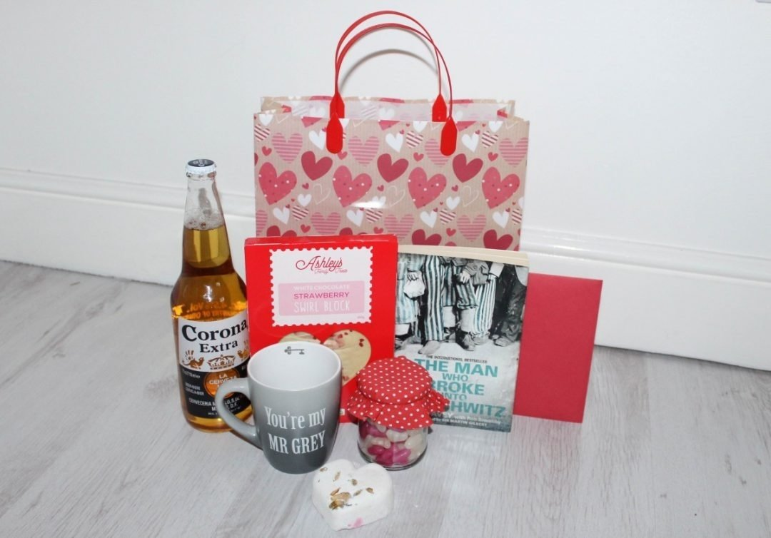 10 Ideal Valentines Day Gift Ideas For Husband valentines day gift ideas for men roseyhome 2020