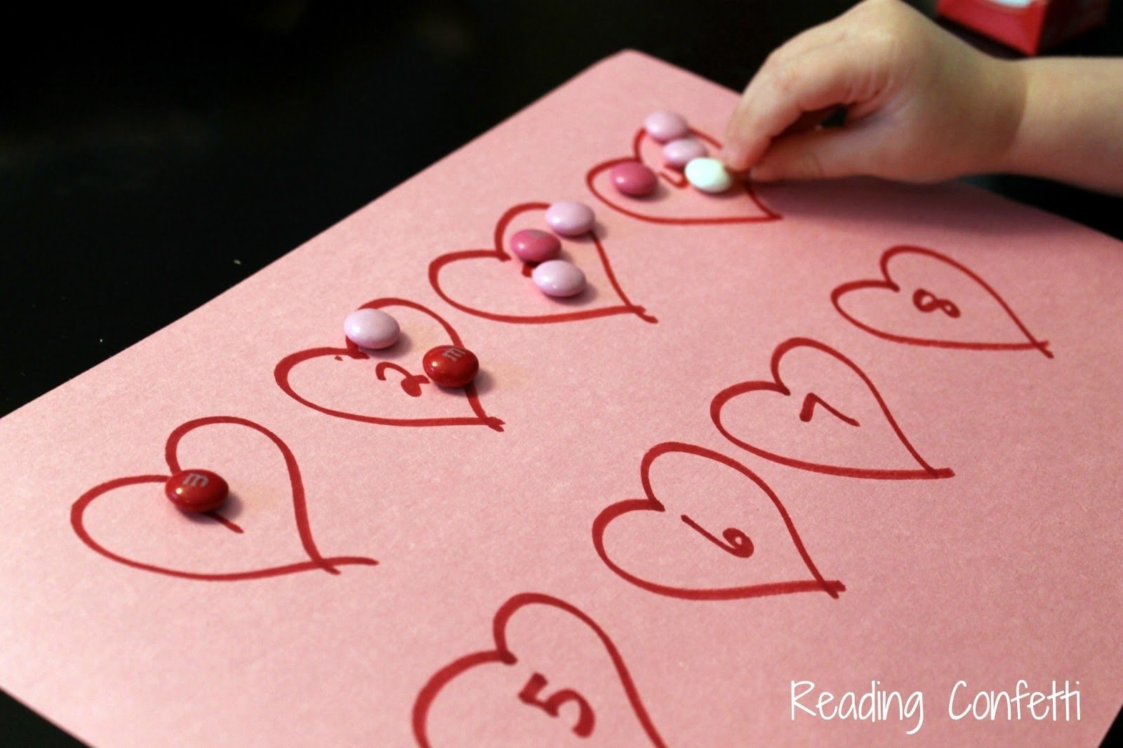 valentine's day math for toddlers and preschoolers ~ reading confetti