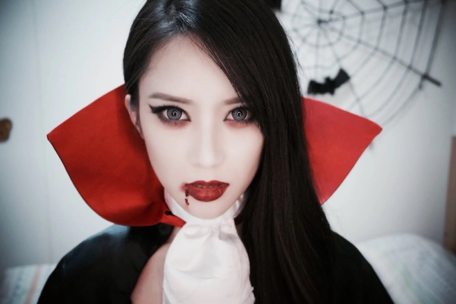 10 Trendy Vampire Makeup Ideas For Women vampire face makeup ideas pretty beautiful sexy scary vampire 2021