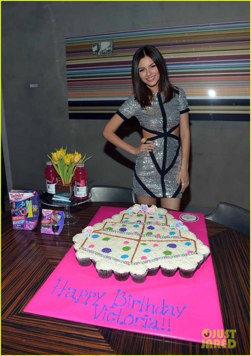 10 Wonderful 20 Year Old Birthday Party Ideas victoria justice 20th birthday party with colton haynes photo 2021