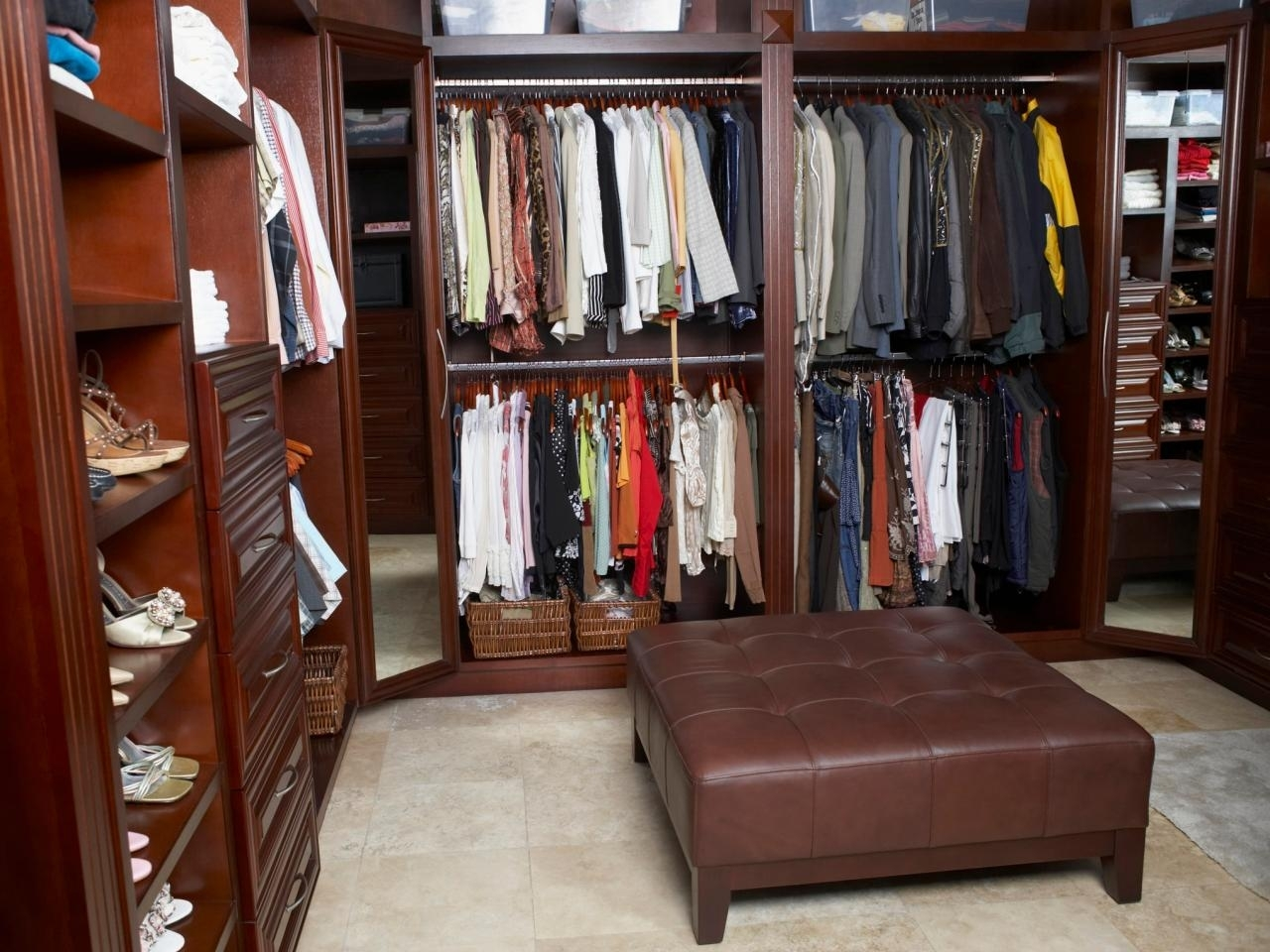 10 Amazing Walk In Closet Design Ideas
