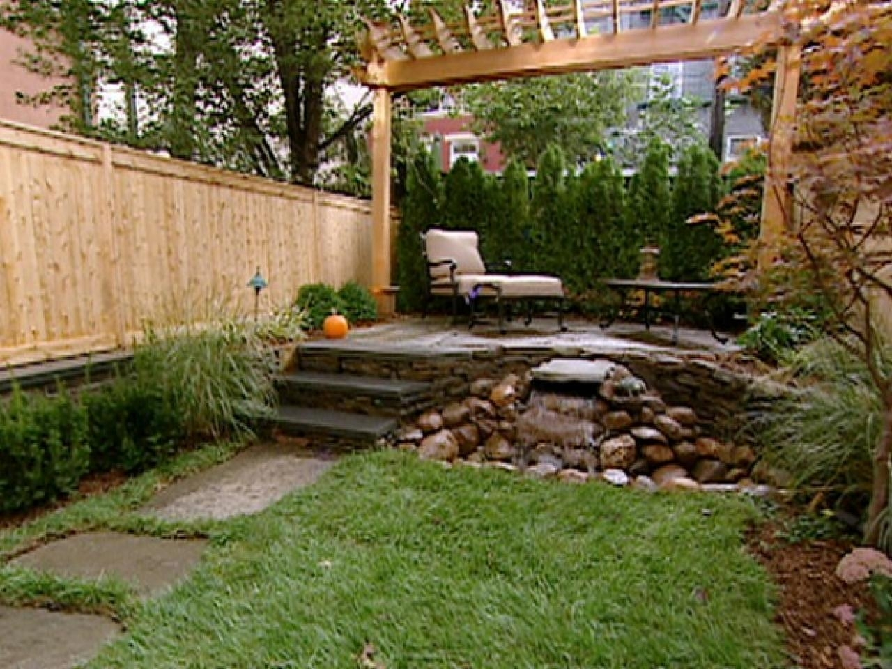 10 Wonderful Ideas For A Small Backyard %name