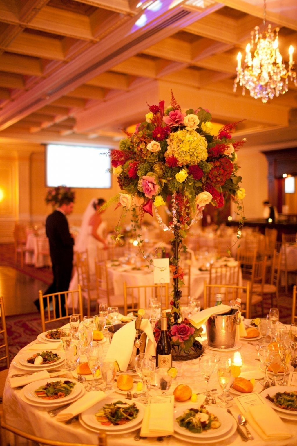 10 Lovely Wedding Reception Ideas For Fall