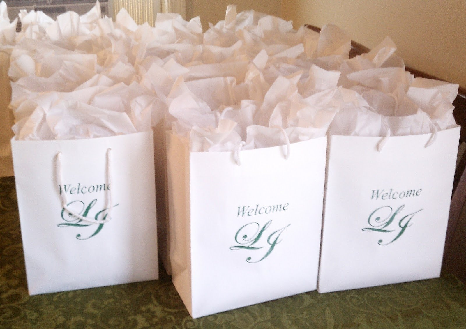 What To Put In Gift Bags For Wedding Guests Creativepoem