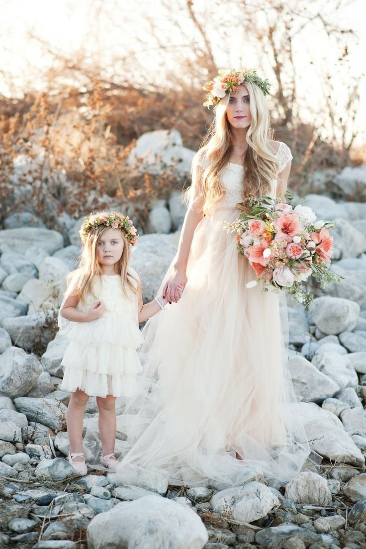 10 Spectacular Mother Daughter Photo Shoot Ideas wedding photo ideas mother daughter bridal shoot deer pearl flowers 2 2021