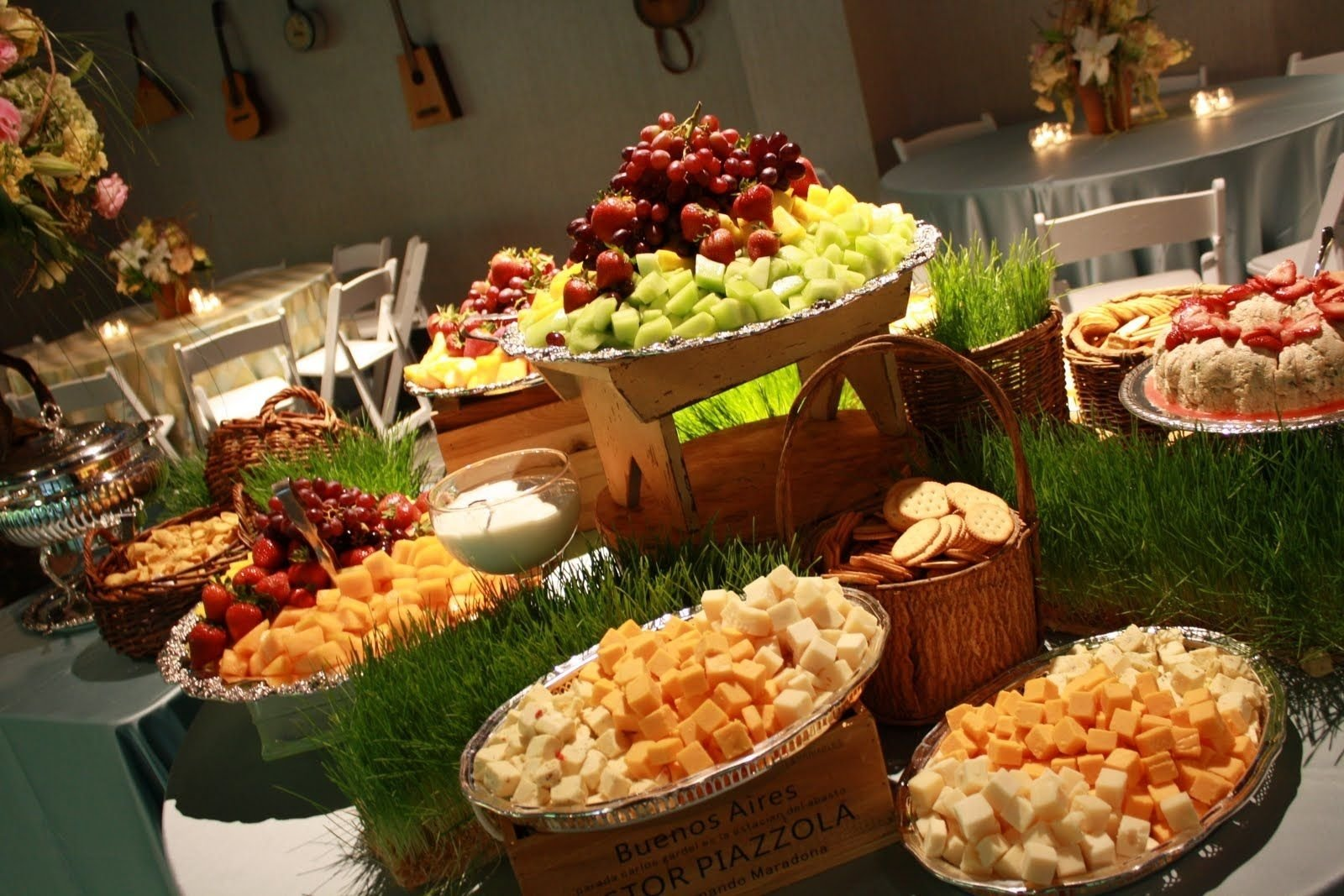 wedding reception hors d'oeuvres ideas | heavy hors d'oeuvres