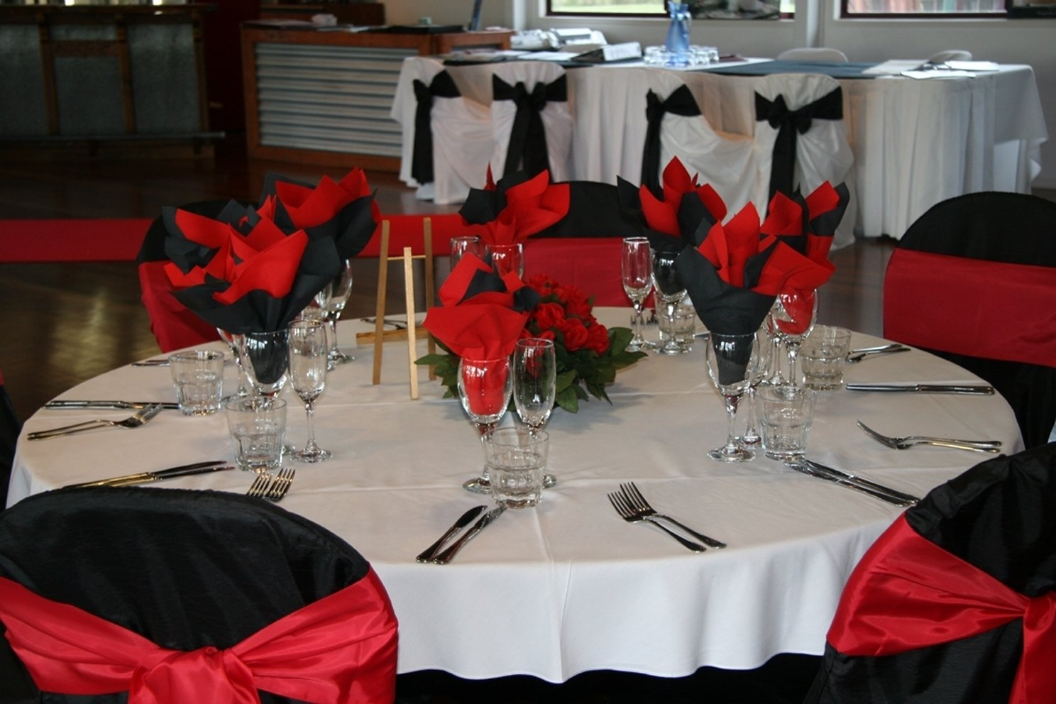 10 Elegant Red Black And White Wedding Reception Ideas wedding table decorations red black and white reception decoration 2020