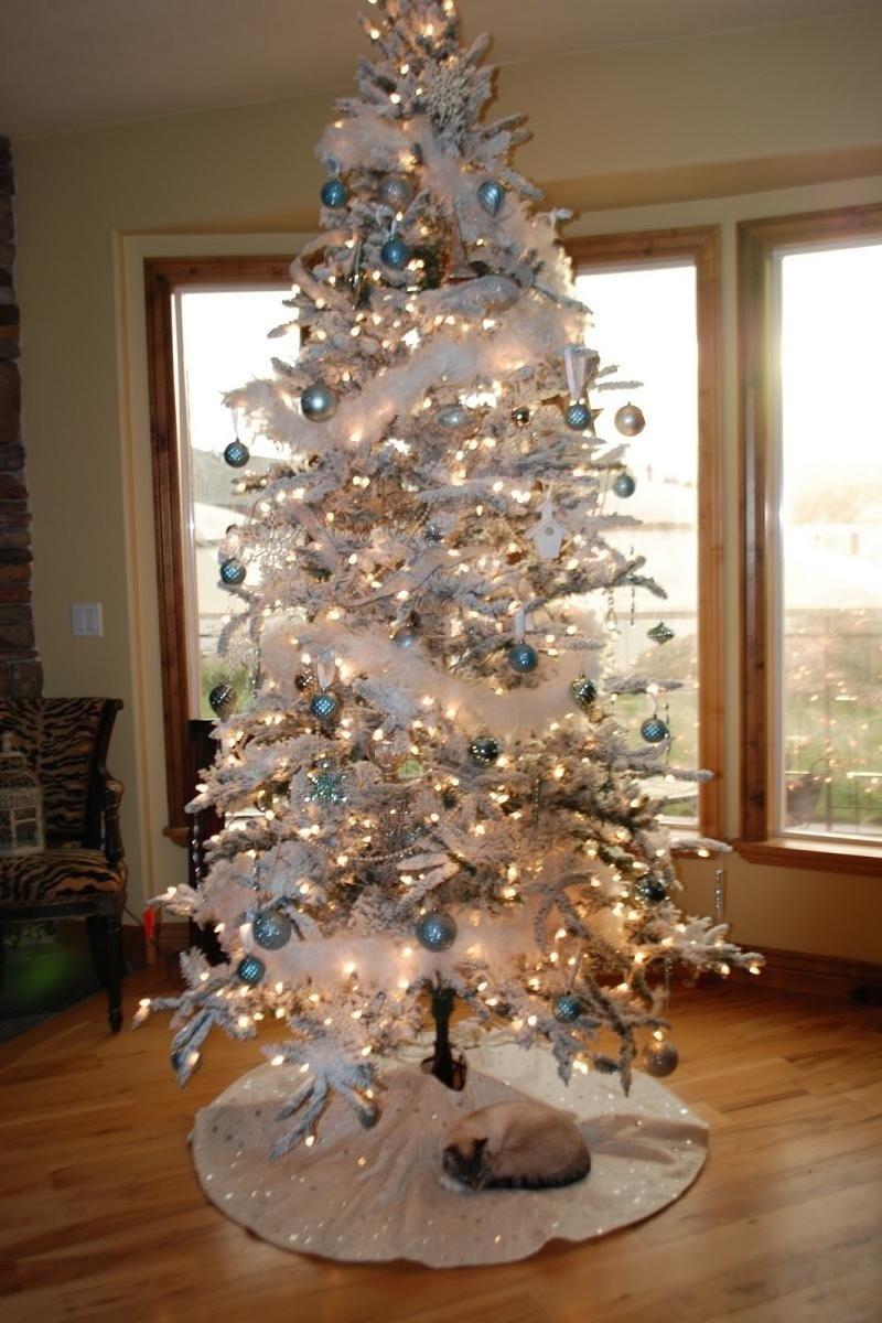 10 Pretty Unique Christmas Tree Decorating Ideas white christmas tree decorating ideas christmas celebration all 3