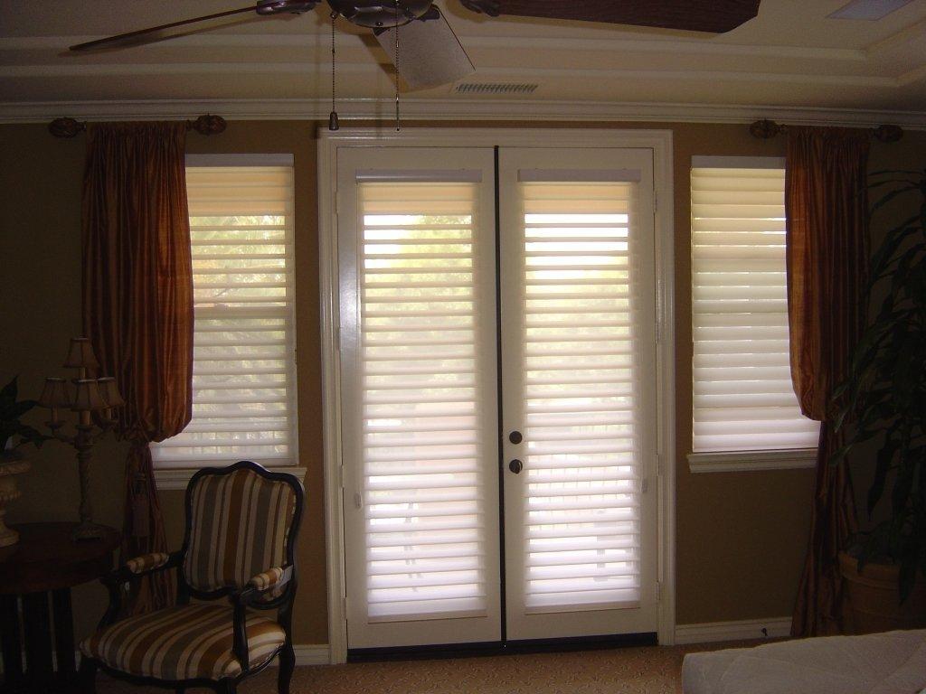 10 Elegant Window Treatment Ideas For French Doors window treatment ideas for doors 3 blind mice 1 2020