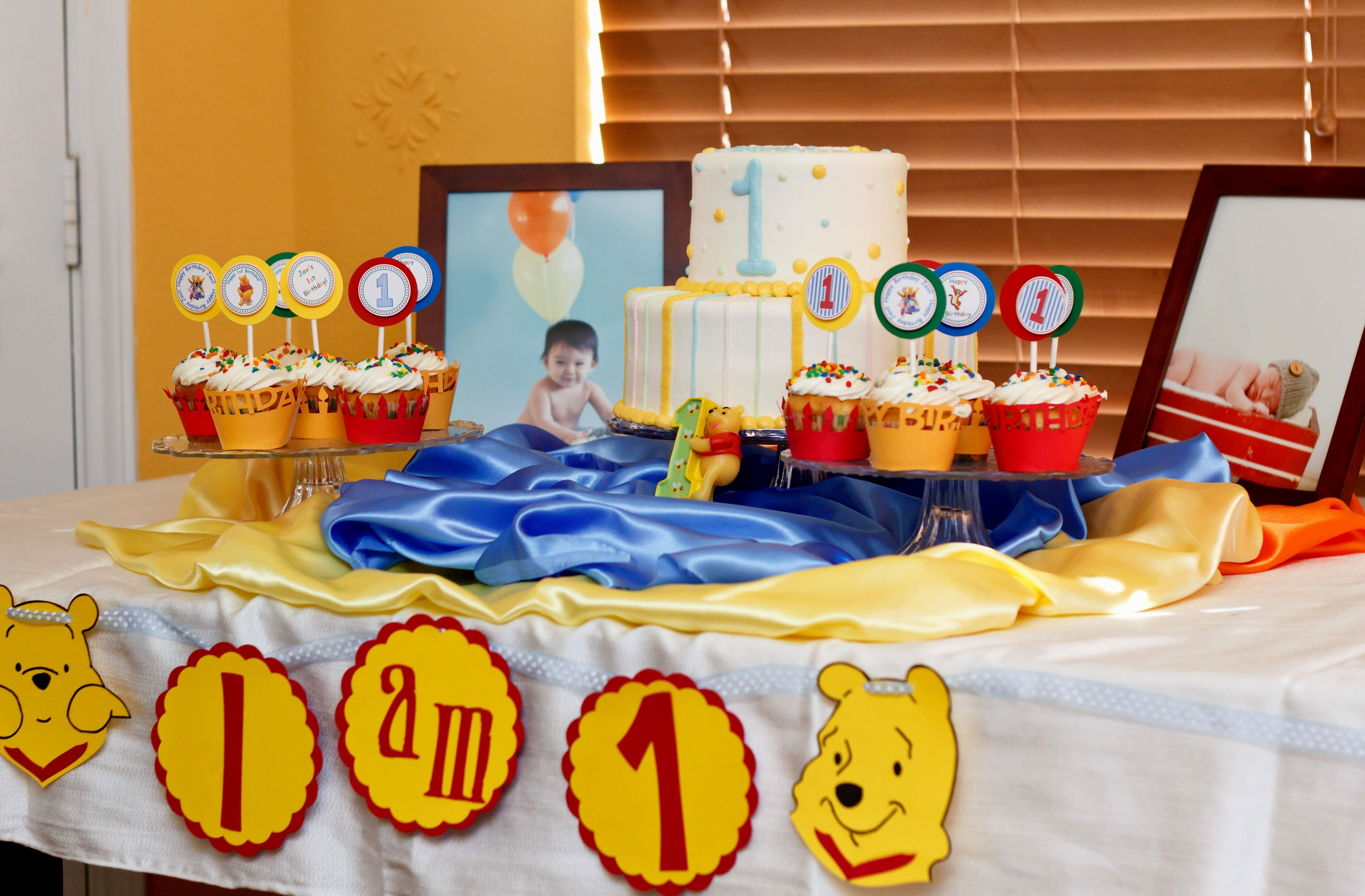 winnie the pooh birthday party ideas - decorating of party