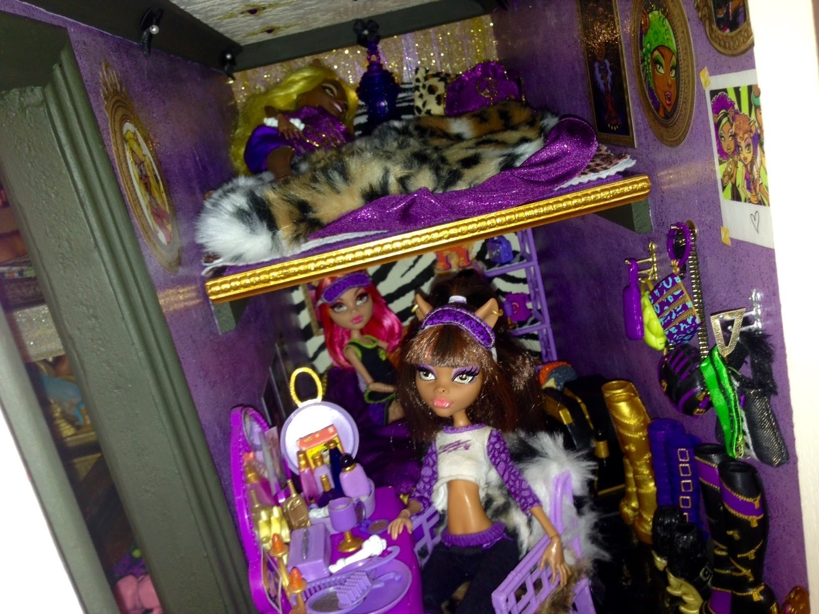 wolf den monster high doll house tour room 4 of 40+ bed of clawdeen