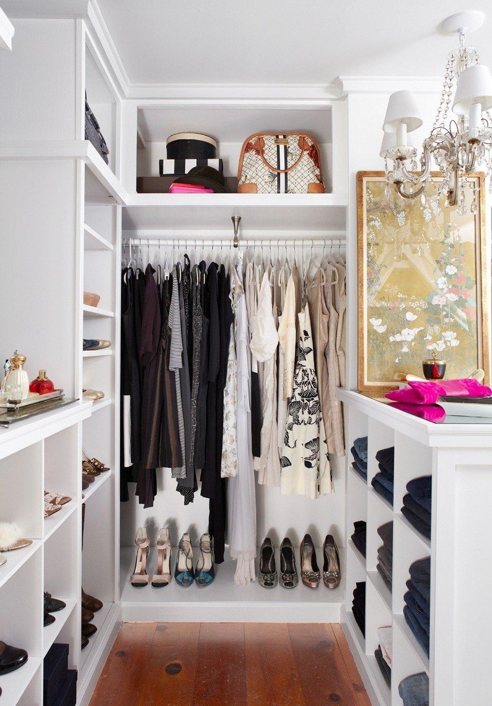 10 Stylish Small Walk In Closet Ideas women small walk in closet ideas 2021