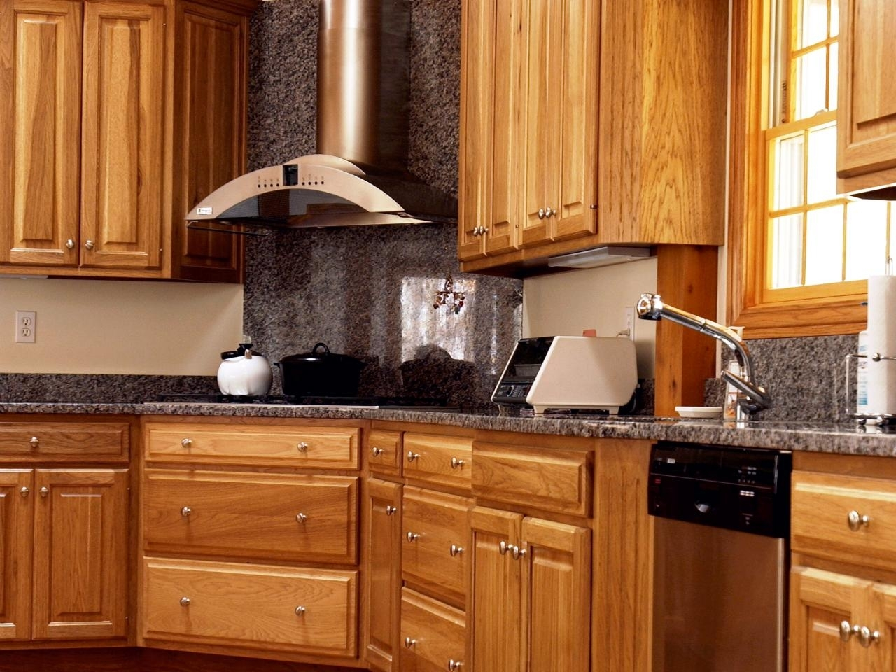 10 Best Kitchen Ideas With Oak Cabinets %name 2020