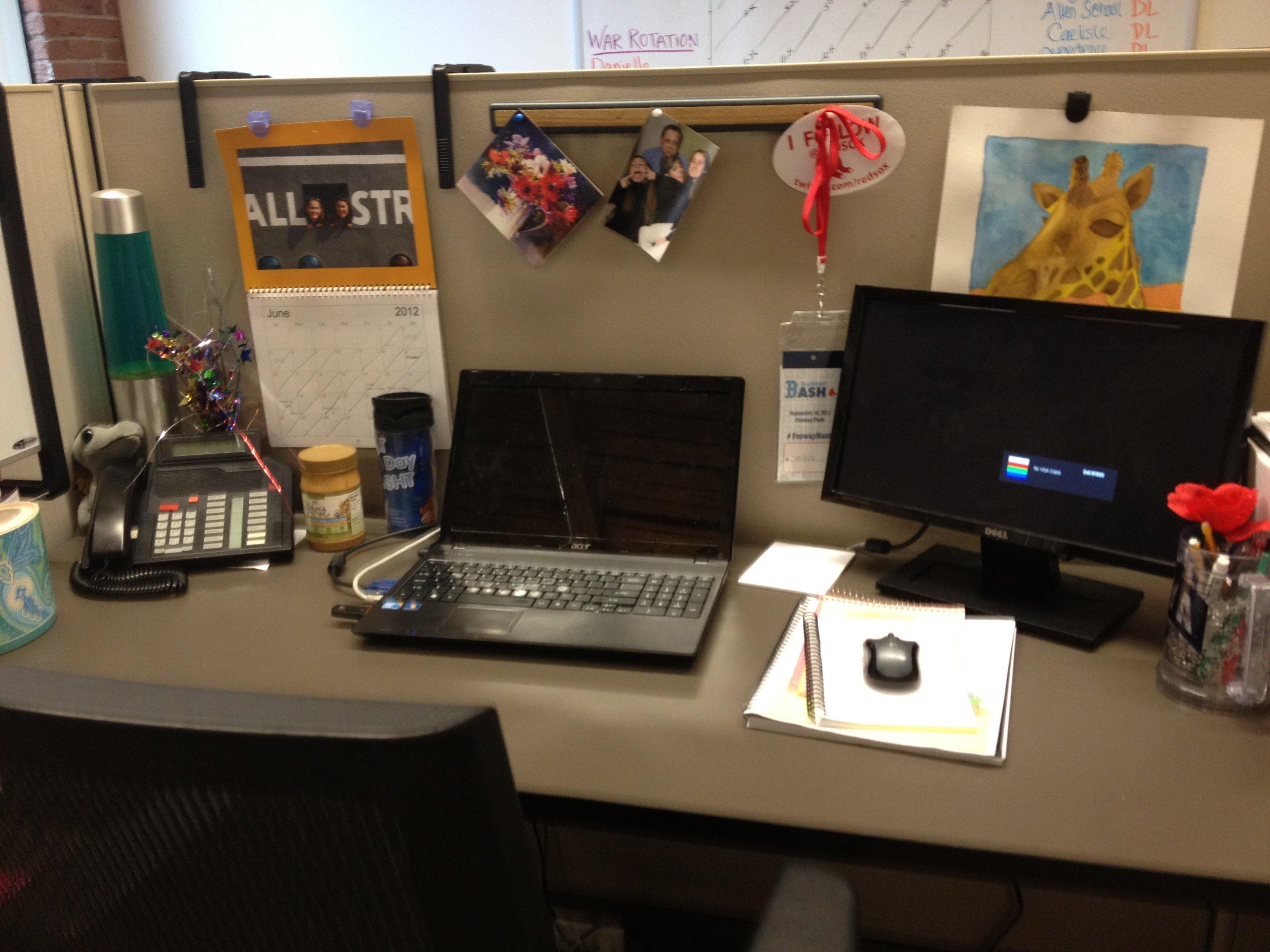 10 Unique Desk Decorating Ideas For Work work office desk decor e280a2 ideas photo decorations men decorating for 2020