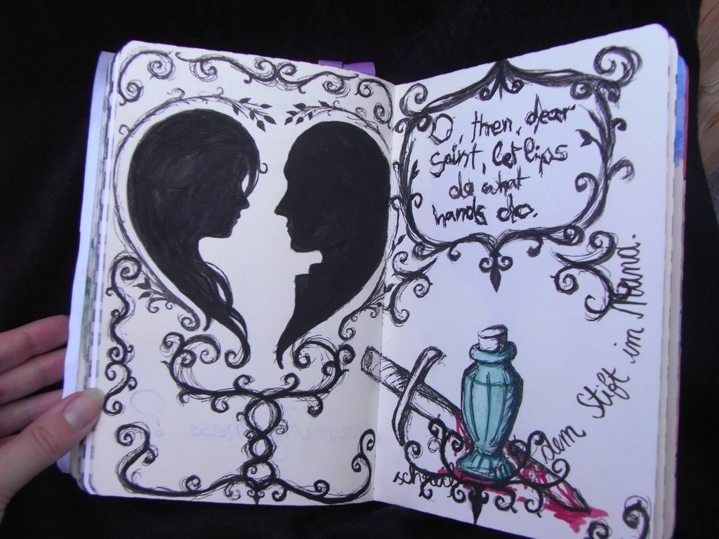 10 Perfect Romeo And Juliet Project Ideas write or draw with pen in mouth romeo and julietkizutasama on 2020