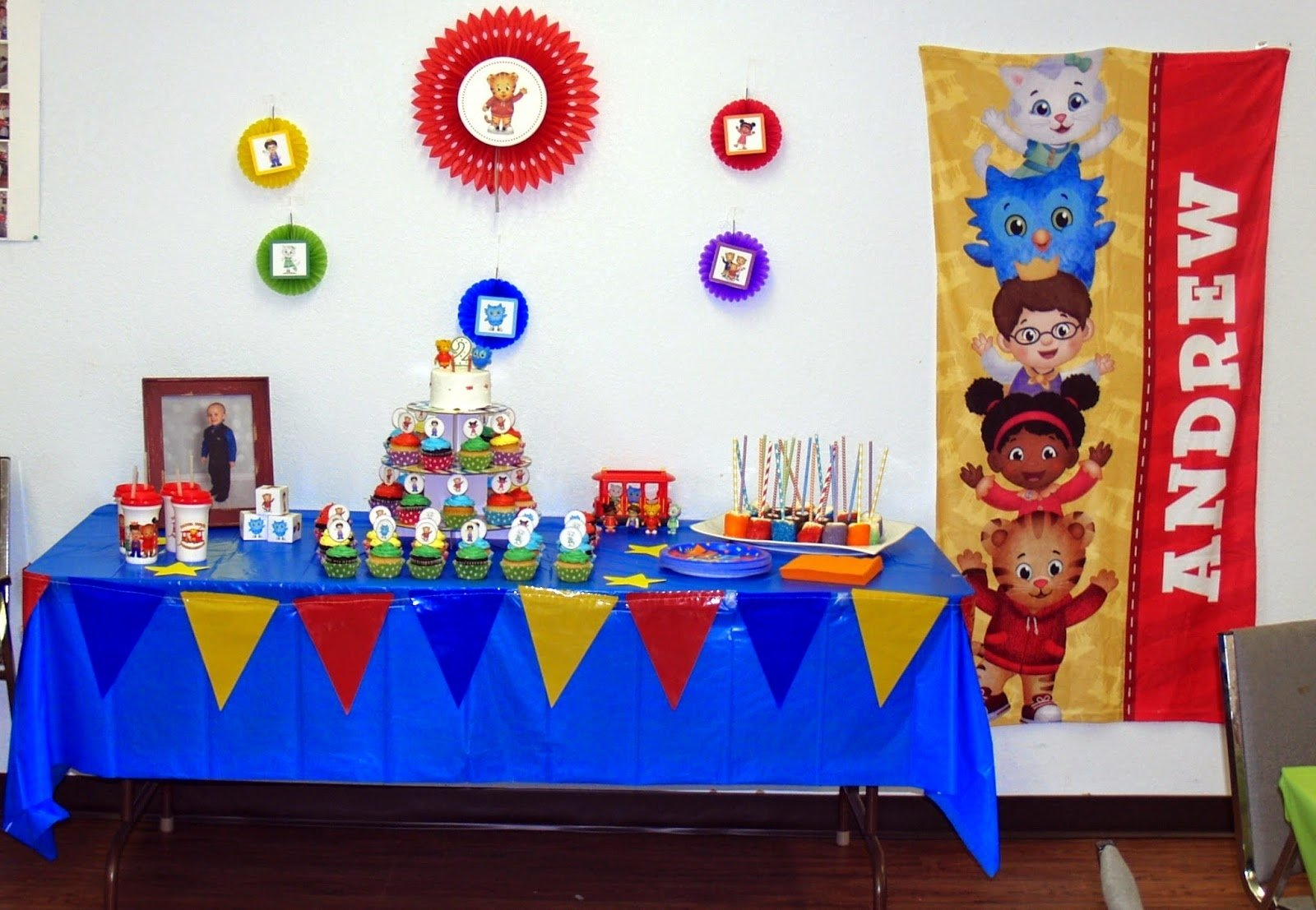 10 Famous Daniel Tiger Birthday Party Ideas writing reading and eating the big daniel tiger birthday party 2021