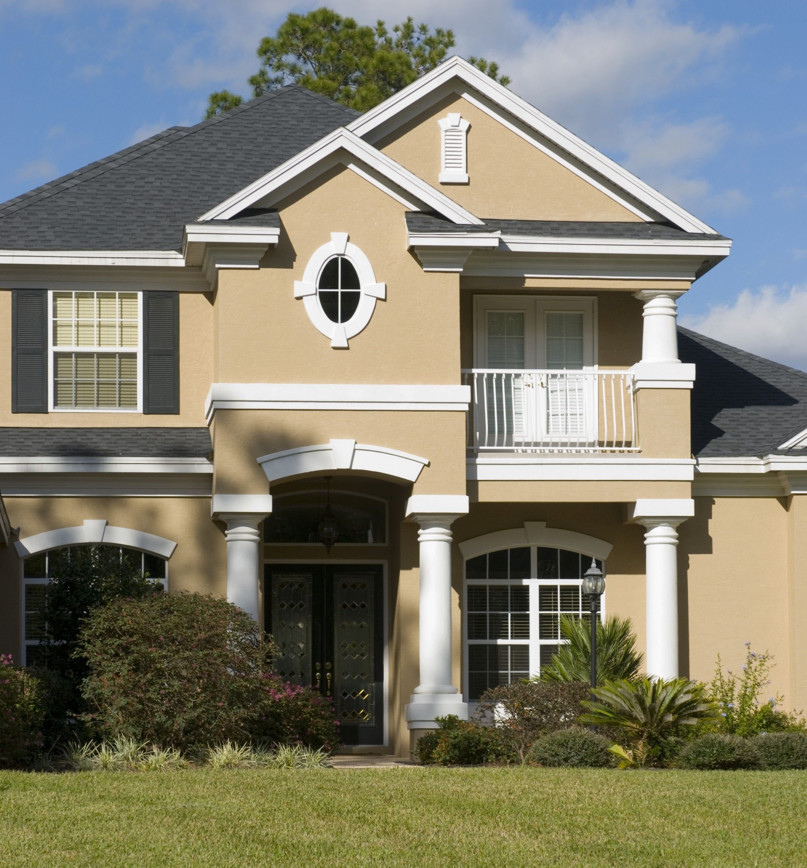 10 Attractive Exterior House Paint Ideas Pictures www exterior house colors color chemistry and house paint 2020