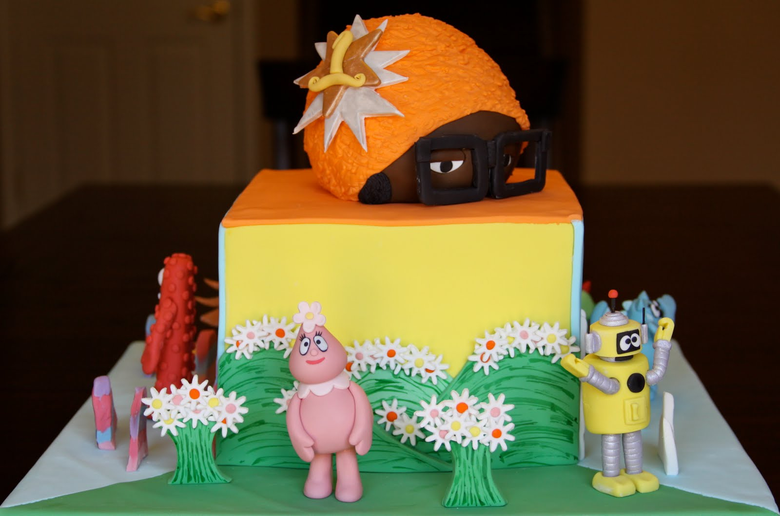 yo gabba gabba cakes – decoration ideas | little birthday cakes