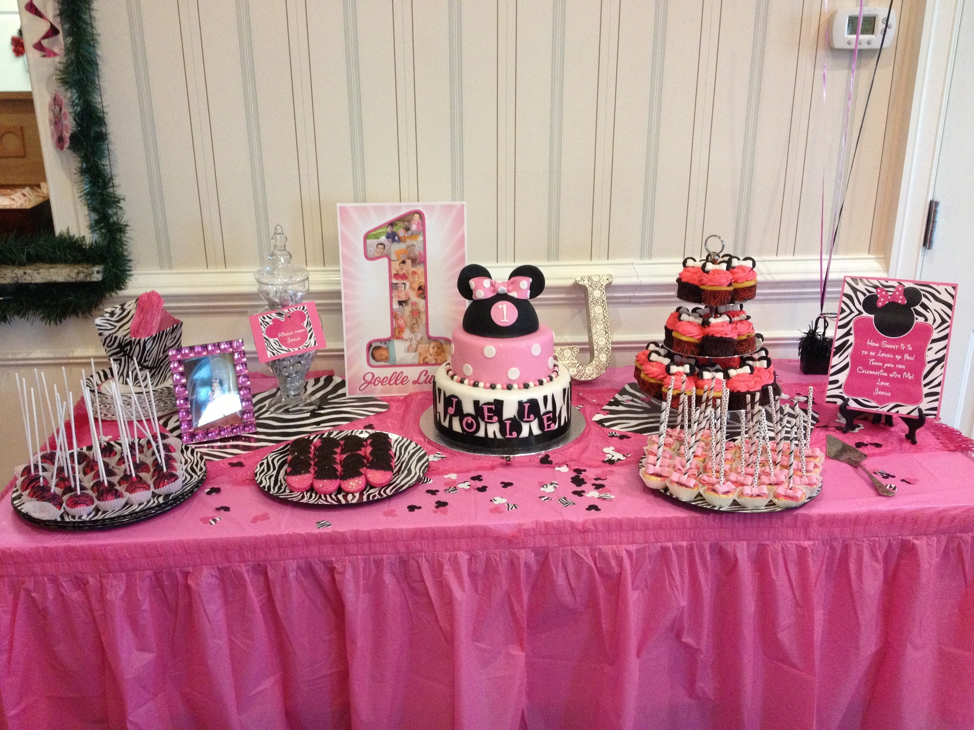 10 Fashionable Baby Minnie Mouse 1St Birthday Party Ideas yummy dessert table for my baby girls 1st birthday party minnie