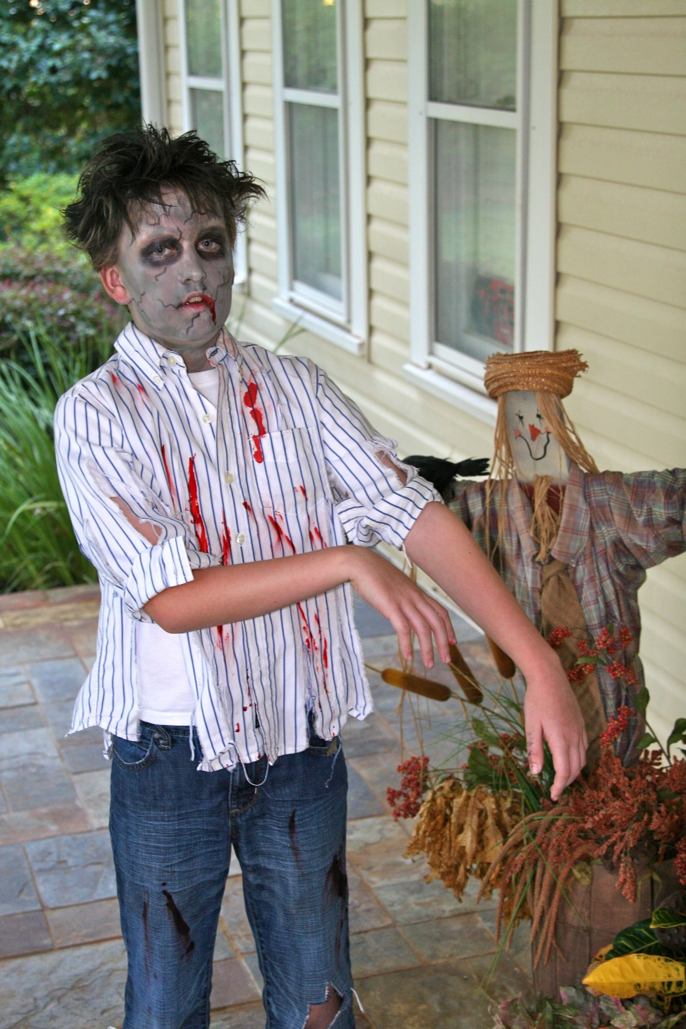 10 Attractive Zombie Costume Ideas For Kids zombie costume halloween haunting ideas pinterest costumes 2021